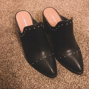 Report studded mules
